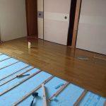 2階の海側の部屋。床完成です。